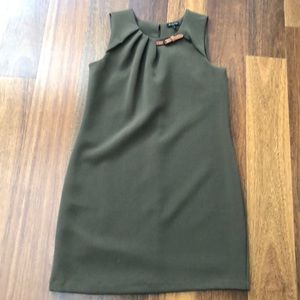 Wool sleeveless sheath dress